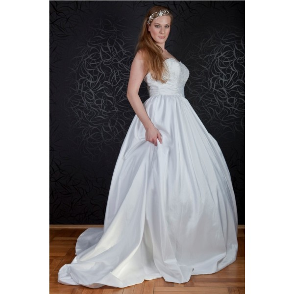 58d89b02ab predaj ukončený - Najsvadobné šaty - svadobné a spoločenské šaty ...