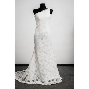 http://najsvadobnesaty.sk/6097-thickbox_default/svadobné-šaty-738.jpg
