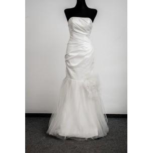 http://najsvadobnesaty.sk/6211-thickbox_default/svadobné-šaty-9098.jpg