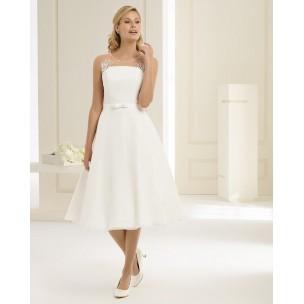 http://najsvadobnesaty.sk/6420-thickbox_default/svadobné-šaty-tapazia.jpg
